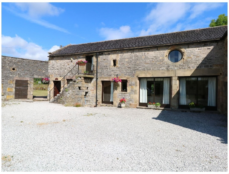 Click here for more about West Cawlow Barn