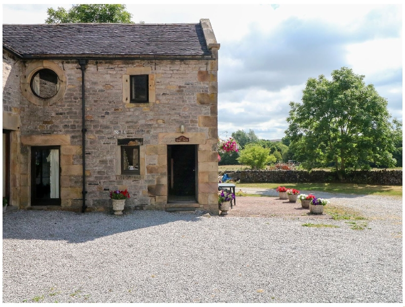Click here for more about East Cawlow Barn